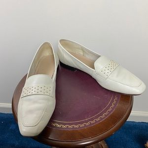 ENZO ANGOLINI Off White Leather Gold Stud Loafer